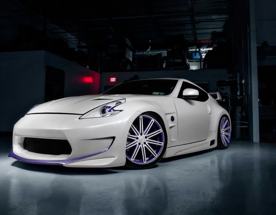 White Nissan Car 370Z Custom Model